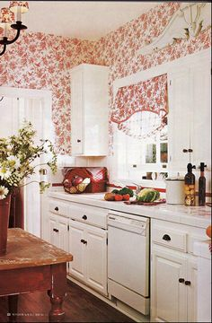 Cottage Décor ● Kitchen  I love wallpaper..all of my walls in my house are papered....but now I want to change one to this paper!
