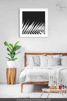 A black and white palm tree wall art nature wall art of palm leaf. The Hawaiian tropical nature with elegance to your home decor. Tree Wall Art, Wall Art Decor, Botanical Illustration Black And White, Luxury Home Accessories, Ideas Cafe, Living Room Decor, Bedroom Decor, Decor Room, Bedroom Wall