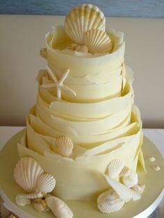 White chocolate wraps wedding cake with sugar shells. The most beautiful beach wedding cake ever. Gorgeous Cakes, Pretty Cakes, Amazing Cakes, Just Cakes, Cakes And More, Seashell Cake, Chocolate Wrapping, Beach Cakes, Gateaux Cake