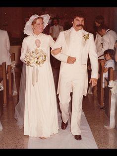 Vintage Wedding Photography, Vintage Wedding Photos, Vintage Bridal, Wedding Pics, Wedding Styles, Vintage Weddings, 1970s Wedding, Vintage Photos, Wedding Ideas