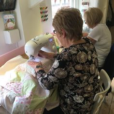 A quilting workshop well underway taught by our great & experienced tutor Meg Tea Cakes, Dressmaking, Needle Felting, Workshop, Quilting, Paper Crafts, Teaching, Sewing, Crochet