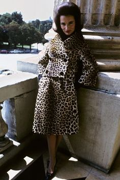 Lee Radziwill photographed by David Bailey for British Vogue; Lee Radziwill, Jacqueline Kennedy Onassis, Jaqueline Kennedy, 1960s Fashion, Vintage Fashion, Vintage Couture, David Bailey, Leopard Coat, Cult