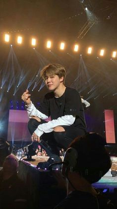 Find images and videos about cute, kpop and bts on We Heart It - the app to get lost in what you love. Bts Jimin, Bts Bangtan Boy, Jikook, K Wallpaper, Jimin Wallpaper, Park Ji Min, Foto Bts, K Pop, Oppa Gangnam Style