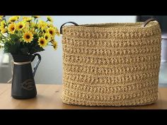 Crochet Purses, Crochet Bags, Diy Crochet, Crochet Accessories, Baby Knitting Patterns, Bag Making, Straw Bag, Purses And Bags, Diy And Crafts
