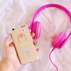 Dá o play e vamos animar esse começo de sábado! {case: music on}  [FRETE GRÁTIS A PARTIR DE DUAS GOCASES] ✌️ #gocasebr #instagood #iphonecase #phonecase #music #play #saturday #voudegocase
