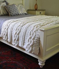 Manta de punto tejida a mano - Chunky Cable Knit Blanket in Cream Irish Cabled Wool Hand Knitted Blanket Cable Knit Blankets, Hand Knit Blanket, Chunky Blanket, Wool Blanket, Throw Blankets, Cable Knit Throw, Sweater Blanket, Home Bedroom, Bedroom Decor