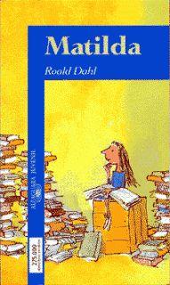 Matilda es una lectora empedernida con solo cinco años. Sensible e inteligente, todos la admiran menos sus mediocres padres, que la consideran una inútil.