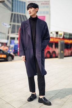 Seoul Fashion Week brings out the best Menswear, so it comes to no surprise the Korean menswear market is booming! | British GQ