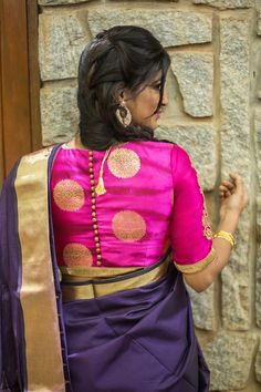 Buy House Of Blouse Pinkish purple gold Shibori brocade blouse online in India at best price. And with this richly detailed shibori brocade blouse you will ooze traditional Brocade Blouse Designs, Brocade Blouses, Blouse Back Neck Designs, Saree Blouse Patterns, Fancy Blouse Designs, Dress Designs, Sari Design, House Of Blouse, Stylish Blouse Design
