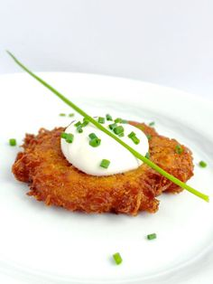 Potato Latkes with Creamy Horseradish Sauce - The Lemon Bowl