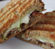 Recipe - Grilled Cheddar, apple and bacon sandwich | Meats, Roots and Leaves