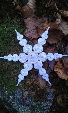 ergahandmade: Crochet Snowflake + Free Pattern