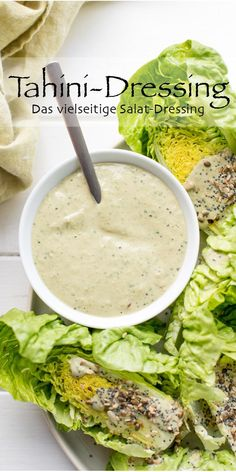 Tahini-Dressing – Das vielseitige Salat-Dressing Dieses leckere und cremige Reze… Tahini Dressing – The versatile salad dressing You will love this delicious and creamy recipe for a Tahini dressing. It's quick and full of healthy nutrients. Tahini Dressing, Grilling Recipes, Raw Food Recipes, Salad Recipes, Vegetarian Recipes, Healthy Recipes, Pesto, Dressing Recipe, Vegetables