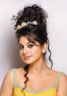 Meera Nandan is an Indian actress who works in the South Indian Film industry. Becoming An Actress, Actress Navel, Photoshoot Images, South Indian Film, Cinema Actress, Bollywood Actress Hot, Malayalam Actress, Australian Models, Hairstyle Look