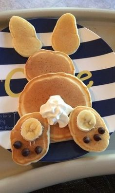 over Mickey Mouse Pancakes — These Adorable Easter Breakfasts are Taking Over Bunny pancakes & other cute Easter breakfast/brunch ideasBunny pancakes & other cute Easter breakfast/brunch ideas Easter Brunch, Easter Party, Bunny Party, Easter Weekend, Holiday Treats, Holiday Recipes, Spring Recipes, Holiday Desserts, Mickey Mouse Pancakes