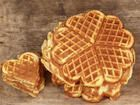 Das perfekte Fettarme Waffeln nach Weight Watchers-Rezept mit einfacher Schritt-… The perfect low-fat waffles according to Weight Watchers recipe with simple step-by-step instructions: Very easy: All ingredients, good to the protein … Plats Weight Watchers, Weight Watchers Meals, Banana Recipes, Waffle Recipes, Healthy Dessert Recipes, Low Carb Recipes, Desserts, Fast Recipes, Torte Au Chocolat