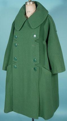 Mainbocher Coat via antiquedress Stylish Coat, Stylish Outfits, 1950s Fashion, Vintage Fashion, Vintage Dresses, Vintage Outfits, Womens Fashion Australia, 1950s Outfits, Tailored Jacket