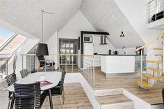 Miete Ferienhaus LK683 in Sdr. Strandvej 5, Lökken Danish Interior Design, Divider, Loft, Kids Rugs, Bed, Furniture, Home Decor, Gable Window, Child Bed
