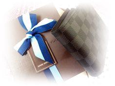 ルイヴィトンのお財布。プレゼント用に買いました