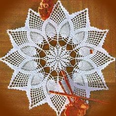 Crochet Art: Crochet Pattern of Gorgeous Doily - Pineapple Crochet Lace