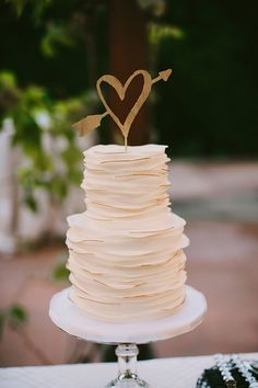 White Wedding Cake With Gold Heart