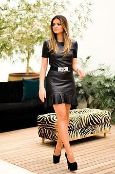 Vestido minimalista em couro. Um luxo!