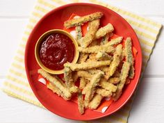 Learn how to make seven different healthy and delicious baked and fried zucchini fries recipes and ideas from Food Network. Zucchini Parmesan Crisps, Zucchini Pommes, Zucchini Bread, Parmesan Crusted, Milanesa, Veggie Recipes, Cooking Recipes, Veggie Meals, Fruit Recipes