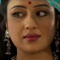 Beautiful Girl Indian, Most Beautiful Indian Actress, Most Beautiful Women, Beautiful Bride, Indian Bollywood Actress, Indian Actresses, Desi Girl Selfie, Tv Girls, Anupama Parameswaran