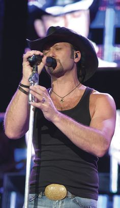 Google Image Result for http://content.hollywire.com/wp-content/uploads/2008/06/artists_tim_mcgraw2.jpg