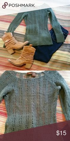 Day trip green sweater. Very delicate green sweater, no snags. EUC. Great for layering this fall. Daytrip Sweaters Crew & Scoop Necks