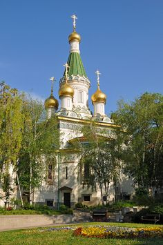 Church of St Nicholas the Miracle-Maker, was built on the site of the Saray Mosque, which was destroyed in 1882, after the liberation of Bulgaria by Russia from the Ottoman Empire. The five domes are coated with gold. The bells were donated by Emperor Nicholas II.