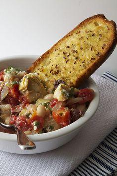 white bean puttanesca with garlic bread