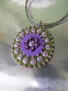 Love this Felt Pendant Felt Embroidery, Bead Embroidery Jewelry, Textile Jewelry, Beaded Jewelry, Handmade Jewelry, Felt Crafts Diy, Felted Wool Crafts, Felt Necklace, Fabric Necklace