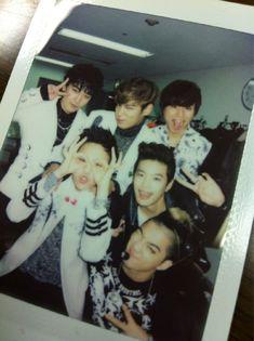 Big Bang leaves video messages for Se7en before his enlistment