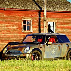 This is no rust bucket mini cooper. It is an effects paint that is getting lots of notoriety for home made DIY custom paint jobs. Mini Cooper Paceman, Mini Clubman, Mini Cooper Custom, Mini Cooper S, Mini Lifestyle, Rust Paint, John Cooper Works, Mini One, Custom Paint Jobs