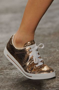 2014 Spring New York Fashion Week Runway Shoes Gold Sneakers, Sneakers Fashion, Fashion Shoes, Cute Shoes, Me Too Shoes, Runway Shoes, Espadrilles, Spring Shoes, Converse