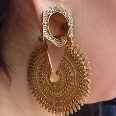 Gold on gold on gold on gold! @sweptawayx is rocking her @Tammy McNabb lotus eyelets and @Maya Jewelry gypsy queens. #tawapa #mayaorg...