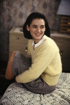 Today, Winona Ryder is making headlines for her outstanding performance in Netflix's series Stranger Things, but she's been one of my favorite actress since the She starred in so many m… Winona Ryder 90s, Johnny And Winona, Johnny Depp, Michael Schoeffling, Short Grunge Hair, Winona Forever, 90s Fashion, Trendy Fashion, Actors & Actresses