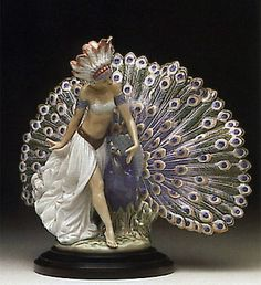 Lladro -Feathered Fantasy 1992-96 -5851G - Porcelain Jewelry, Fine Porcelain, Painted Porcelain, Porcelain Doll, Porcelain Ceramics, Hand Painted, Peacock Decor, Collectible Figurines, Sculpture Art