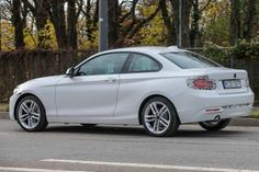 2017 BMW 2 Series facelift spotted in spy shots - https://carparse.co.uk/2016/11/30/2017-bmw-2-series-facelift-spotted-in-spy-shots/