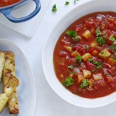 Er du glad for tomatsuppe? Så prøv denne grove vindervariant med masser af grøntsager og spicy power!