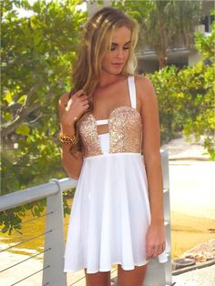 A-line Sweetheart Chiffon Short/Mini Beading Homecoming Dresses Estilo Fashion, Look Fashion, Fashion Beauty, Girl Fashion, Womens Fashion, Cute Dresses, Girls Dresses, Cute Outfits, Formal Dresses