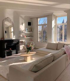 Dream Home Design, Home Interior Design, Interior Architecture, Dream Apartment, Apartment Interior, London Apartment, Apartment Living, Home Living Room, Living Spaces