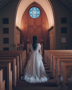 My style of wedding photography is more like street photography in that my focus is candid moments NOT posed moments. Wedding Venues Oregon, Dream Wedding Dresses, Bridal Dresses, Portrait Photography, Wedding Photography, Wedding Goals, Bride Hairstyles, Perfect Wedding, Engagement