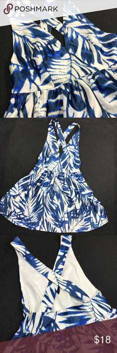 Romeo and Juliet couture halter dress nwt floral Romeo and Juliet couture halter dress nwt floral design.  Silk look. Cute 😉 Romeo & Juliet Couture Dresses Midi