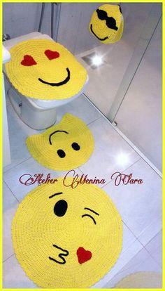 at katerinekosivchenko - PIPicStats Crochet Mat, Crochet Home, Crochet Crafts, Crochet Projects, Granny Square Crochet Pattern, Crochet Squares, Crochet Designs, Crochet Patterns, Diy Vinyl Projects