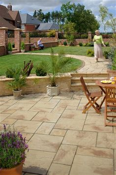 Heritage® Paving Paving Ideas visit our website for mo Garden Slabs, Garden Paving, Terrace Garden, Sandstone Paving, Concrete Paving, Paving Stone Patio, Patio Railing, Patio Wall, Garden Design Plans