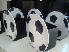 Football Crafts, Football Themes, Soccer Birthday Parties, Dad Birthday, Soccer Centerpieces, Soccer Decor, Soccer Banquet, Soccer Baby, Kicker
