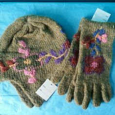 Olive Green Winter Hat and Gloves Set Really cute with flower design. Will keep you warm.  Made with 100% Virgin Acrylic, not itchy at all. Made in Peru. Please check pictures and ask questions :) Other