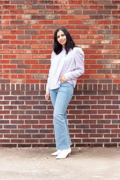 Pastel floral puff sleeve top and flared jeans for a casual spring outfit Modest Outfits, Jean Outfits, Modest Fashion, Casual Outfits, Fashion Outfits, Flare Jeans Outfit, Pastel Floral, Women's Jeans, Women's Casual